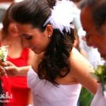 la novia entrando a la iglesia