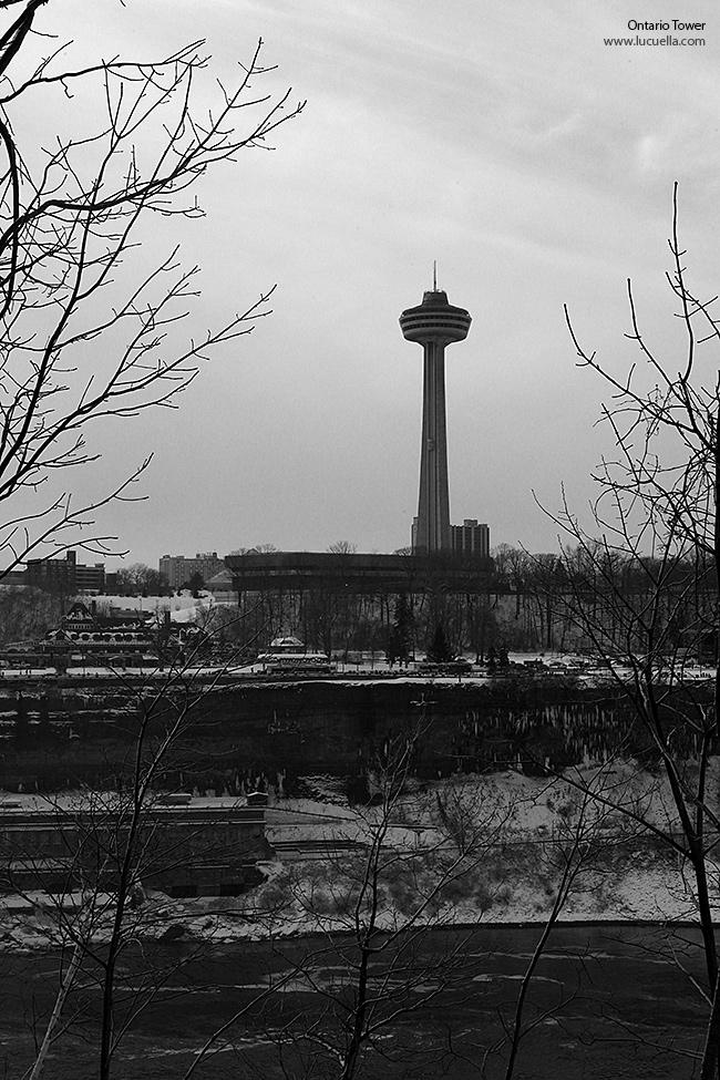 Niagara Falls - Ontario Tower