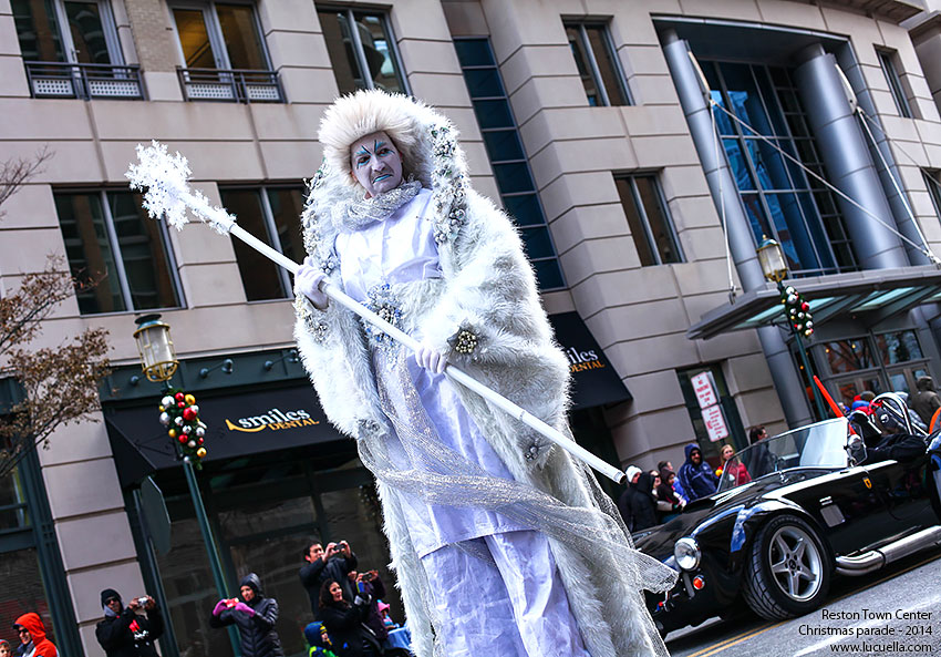 reston-town-center-christmas-spirit-christmas-parade-2014