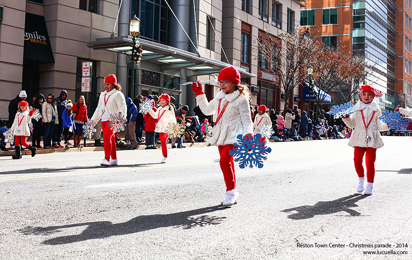 reston-town-center-girls-christmas-parade-2014